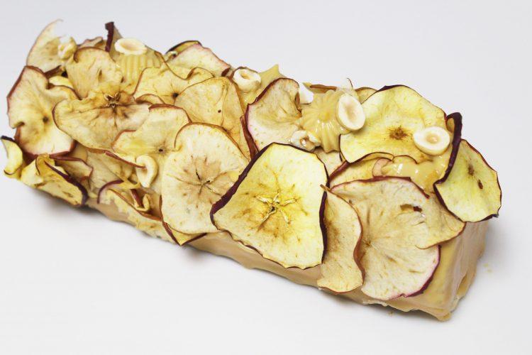 Bûche Pomme-Cannelle-Caramel